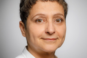 Prof. Dr. Manigé Fartasch ist Dermatologin und arbeitet am Institut für Prävention und Arbeitsmedizin der DGUV, Institut der Ruhr-Universität Bochum