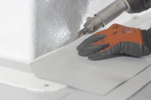 Lamilux-Aufsatzkränze haben optional eine PVC-Anschlussschiene zum Anschluss von Kunststoffdachbahnen
