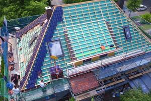 """Dachsanierung mit Aufsparrendämmung<span class=""""bildnachweis"""">Foto: Braas</span>"""