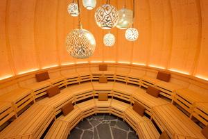 """Die Rundsauna """"Kugulus"""" hat einen Durchmesser von 6 m und bietet Platz für 40 SaunagästeFoto: Therme Erding<br />"""