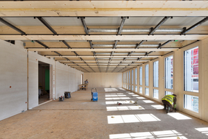 """Drei Module bilden einen insgesamt 60 m² großen Klassenraum<span class=""""bildnachweis"""">Fotos: Erne AG Holzbau/Raumwerk &amp; Spreen Architekten ARGE/ Thomas Koculak</span>"""