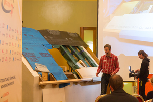 Dach-Praxis-Schulungen vermitteln Wissen durch einen Mix aus Fachvorträgen und Praxisschulungen am 1:1-Modell