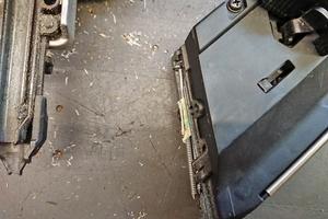 Der 18 Volt-Akku des Naglers lässt sich laut Hersteller innerhalb von 75 Minuten vollständig aufladen                               Foto: Stephan Thomas