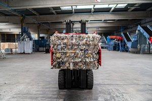 """PET-Verpackungsmüll aus Frankreich wird im Soprema-Recyclingwerk in Straßburg angeliefert<span class=""""bildnachweis"""">Foto: Bartosch Salmanski</span>"""