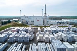 Seit 25 Jahren wird im Werk in Delitzsch bei Leipzig Ursa-Mineralwolldämmstoff produziert<br /><br />