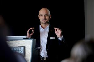 Manuel Döhler vom Hersteller Schwenk Putztechnik wird in seinem Vortrag auf den Feuchteschutz im Sockelbereich eingehen