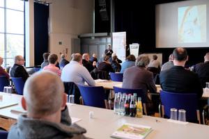 Das Forum Holzbaukompetenz richtet sich an Holzbauingenieure, Zimmerer und Stuckateure gleichermaßen    Fotos: Ingo Jensen/Schwenk Putztechnik