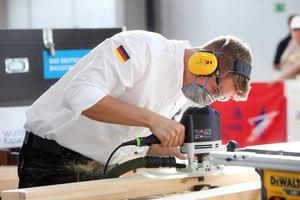 Für Zimmerer Alexander Bruns lief der Wettbewerb von Beginn an gut, er wurde sogar schon vor Abschluss der Zeit fertigFoto: Worldskills Germany/Anja Jungnickel