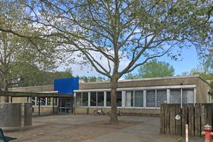 So sah das Schulgebäude vor der Aufstockung aus