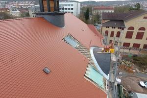 Das Dach des Volkshaus Meiningen während der Sanierung<br />