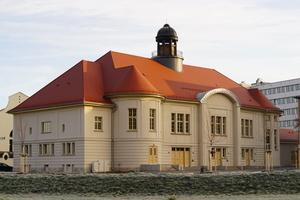 Das denkmalgeschützte Volkshaus ist über 100 Jahre alt und wurde schon zu vielen Zwecken genutzt: als Veranstaltungsort, Kriegslazarett und Flüchtlingslager Fotos: Horn Bedachungen