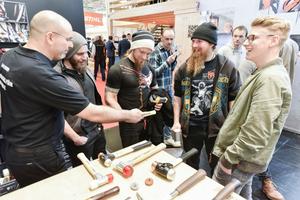 Werkzeuge ausprobieren und sich austauschen, dazu bietet die Messe mit knapp 600 Messeständen in sechs Hallen reichlich Gelegenheit