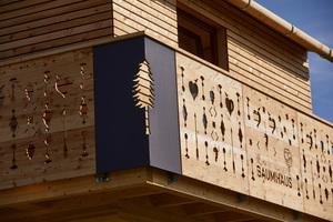 Fräsarbeiten am Balkon. Tradition und Moderne wurden beim Bau des Hauses vereint