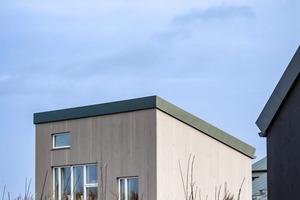 Gebauter Ausdruck einer sozial-ökologischen Lebenshaltung: Das Tiny House in der Siedlung zeigt, wie viel mehr weniger bedeuten kannFoto: Katrin Frische
