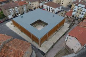 Das Kultur- und Gemeindezentrum Implivium in der Altstadt der spanischen Stadt Reinosa