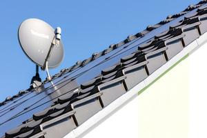 Die neue Solar-Indachanlage von Creaton lässt sich komplett in das Steildach integrieren
