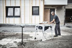 """Neu von Festool ist die Tischkreissäge """"TKS 80"""" mit """"Sawstop""""-Technologie. Bei Kontakt mit der menschlichen Haut verschwindet das Sägeblatt aus dem Arbeitsbereich"""