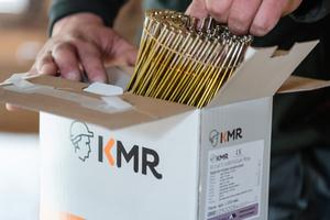 """Magazinierte Nägel bietet KMR ab sofort in der """"Smart Box"""" an, in einem Umkarton sind zwei oder drei kompakte Boxen mit Tragegriffen enthalten"""