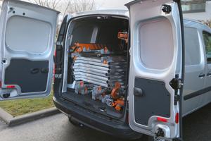 Das Rollgerüst passt, in seine Bestandteile zerlegt, auch in kleine Nutzfahrzeuge