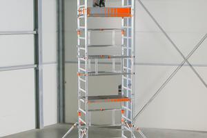 """Der """"SoloTower"""" ermöglicht Arbeiten in bis zu 6m Höhe. Aufbauen lässt sich das Gerüst von einer Person"""