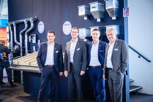Die Geschäftsführer von Zambelli standen den Besuchern Rede und Antwort (v.l.n.r.): Johannes Ranzinger (Geschäftsführer Zambelli Fertigungs GmbH &amp; Co. KG), Frank Anders (Geschäftsführer Zambelli Rib-Roof GmbH &amp; Co. KG), Thomas Gößwein (Geschäftsführer Zambelli Rib Roof GmbH &amp; Co. KG) und Andreas von Langsdorff (Geschäftsführer Zambelli Fertigungs GmbH &amp; Co. KG)<br />