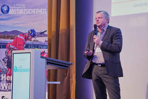 Wie man mit verhaltensorientierter Arbeitssicherheit zu mehr Sicherheit gelange, zeigte Prof. Dr. Christoph Bördlein in seinem Vortrag