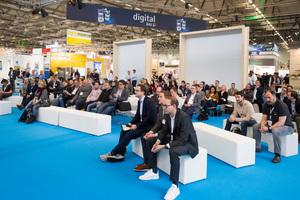 """Teilnehmer des Forums """"Zukunft des digitalen Bauens"""" auf der digitalBAU in Köln. Die Messe fand dieses Jahr erstmals statt"""