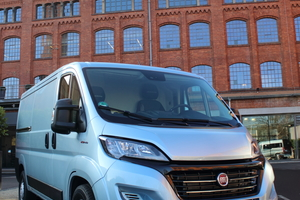 """Der Fiat """"Ducato L2H1"""" mit 140 PS starkem Motor und zahlreichen Assistenzsystemen kostet 43305 Euro ohne Mehrwertsteuer (Basisversion 31240 Euro)<br />"""