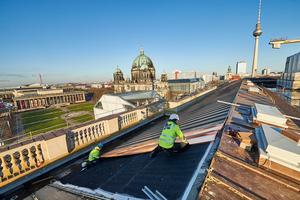 Die Dächer des Berliner Schlosses wurden mit Kupferblechen in Stehfalztechnik eingedeckt