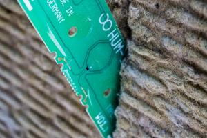 """Die Sensoren des """"Hum-ID""""-Systems werden in die Dämmplatten eingesteckt"""