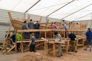 Viele Helfer packten beim Bau des Schiffes Laurons II mit an<br />