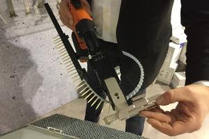 Rheinzink zeigte eine verbesserte Version des ClipFix-Systems für die Montage von Rheinzink-Stehfalzblechen