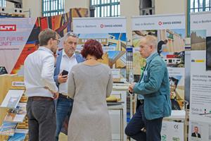 Pausengespräch beim Holzbau Kongress Berlin