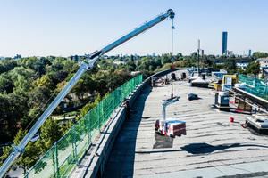 """Die über 2300 m² große Dachfläche eines Bürokomplexes in Düsseldorf wird neu gedämmt und abgedichtet<span class=""""bildnachweis"""">Fotos: Böcker</span>"""