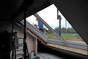 Die Platzierung und der Einbau des Fensters dauerten nur einen Tag