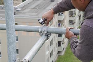 Das Gerüst wird von Sifatec-Mitarbeitern montiert und auch wieder abgebaut