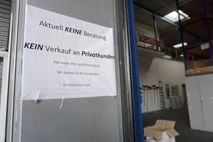 Büroräume und das Lager des Bedachungsfachhandels in Gütersloh dürfen derzeit nicht betreten werden