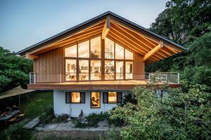 Die Aufstockung des Architekturbüros vonMeierMohr Architekten in Schondorf am Ammersee in Holzbauweise wird im E-Book vorgestellt