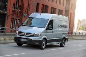 Der VW e-Crafter hat einen 100 kW starken Elektroantrieb. Damit erzielt er Reichweiten von bis zu 173 km