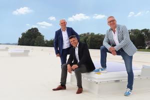 Vertriebsleiter Jochen Reinders, Werks- und Standortleiter Heiko Hansen, Winfried Traub, Geschäftsführer von Essertec und Soprema