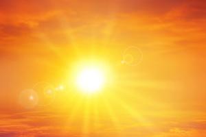 Ausfallgeld können Dachdeckerbetriebe jetzt auch beantragen, wenn das Arbeiten wegen großer Hitze oder Starkregen im Sommer nicht möglich ist