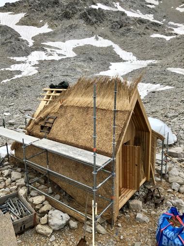 Das Projekt soll zeigen, ob sich Reet als Baustoff für Dächer und Fassaden im alpinen Bereich eignet<br />Foto: Weichert GmbH