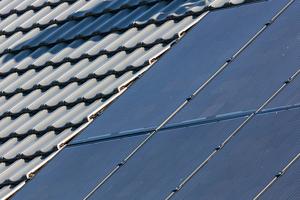 Die neue Creaton Photovoltaik- Anlage ist komplett in das Dach integrierbar.