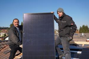 Mit einer neuen ins Dach integrierbaren Photovoltaik-Anlage bietet Creaton Dachhandwerkern die Chance, sich als der eine Ansprechpartner für alle Themen am Dach zu positionieren.