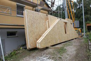 """Die """"Litec WBS"""" Wand-elemente bestehen ebenfalls aus einer Holzrahmenkonstruktion mit PU-Dämmung. Beplankt werden sie werkseitig mit Holzwerkstoff- oder Gipsfaserplatten"""