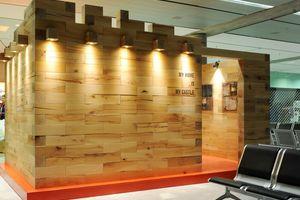 """Das System """"Craftwand"""" besteht aus Holzbausteinen mit Maßen von 15 x 15cm und ermöglicht den Aufbau von Raumteilern, Trennwänden oder Möbeln"""