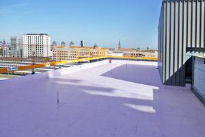 Die Wärmedämmung auf den Dächern des Bauprojektes der SV Sparkassenversicherung erfüllt die baulichen Anforderungen