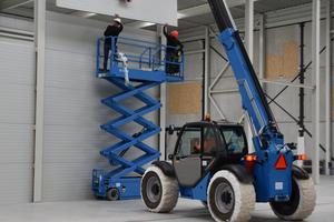 """Der """"Viavac Kompakt GB2"""" eignet sich zur Montage von Wand- und Dachelementen und hat eine um 360° drehbare, ovale Vakuumfläche"""