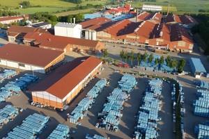Der Hauptsitz und Produktionsstandort von Erlus in Neufahrn