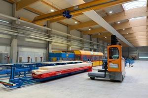 """Die Produktionsanlage von Eco-Timber in Thüringen produziert auf 10000 m² Abbund und Holzelemente <span class=""""bildnachweis"""">Fotos: Höcker Polytechnik GmbH</span>"""